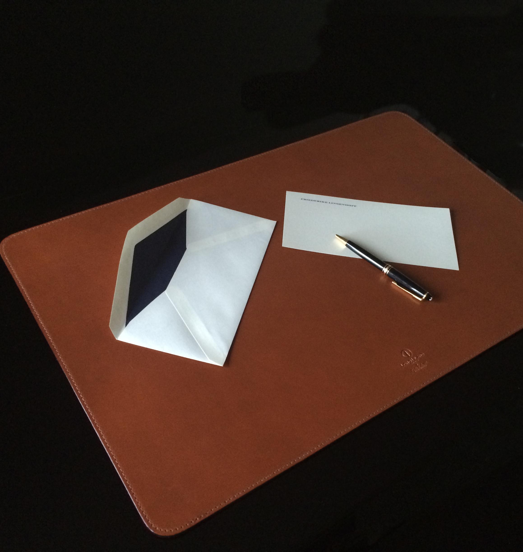 bestelloptionen schreibtischunterlage in leder genuine. Black Bedroom Furniture Sets. Home Design Ideas